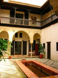 Granada patio casa el horno del oro Albaicín Andalusien