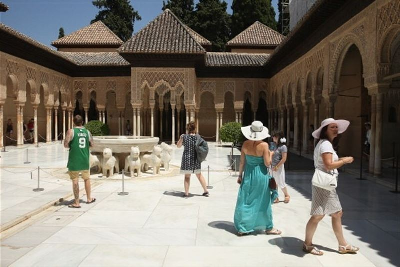 alhambra lions courtyard granada andalusia spain with tourists