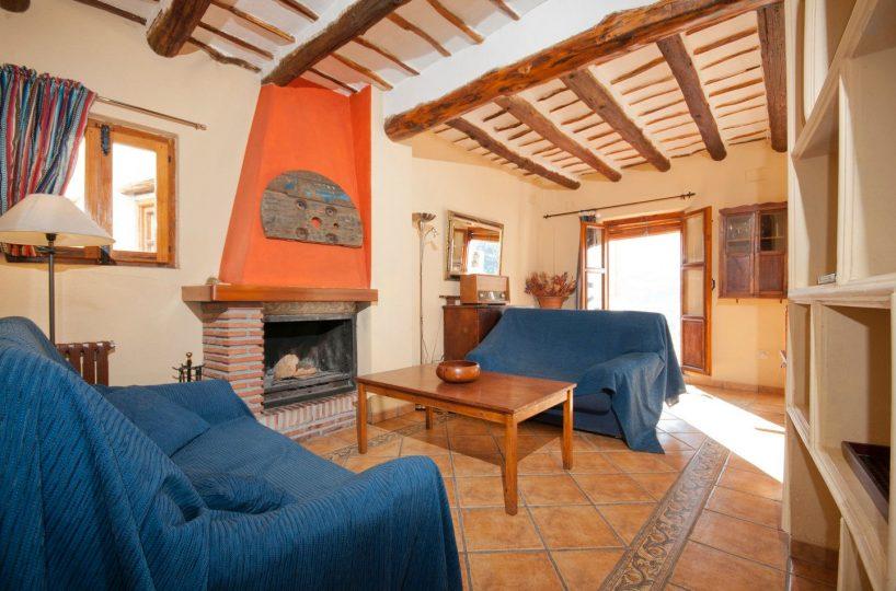 holiday rental bubion alpujarras casa de la luz livingroom 2