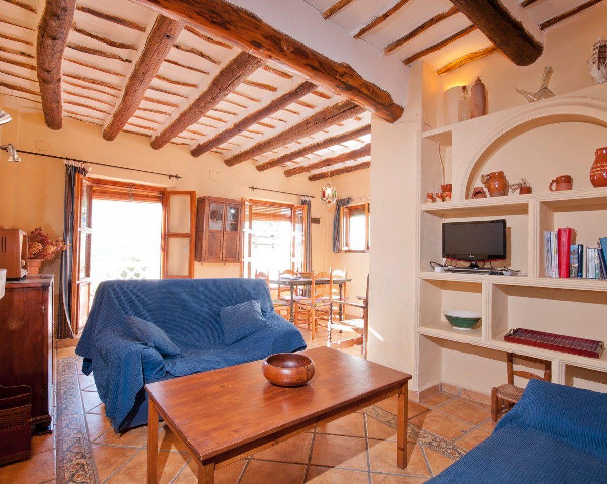 holiday rental bubion alpujarras casa de la luz livingroom 1a