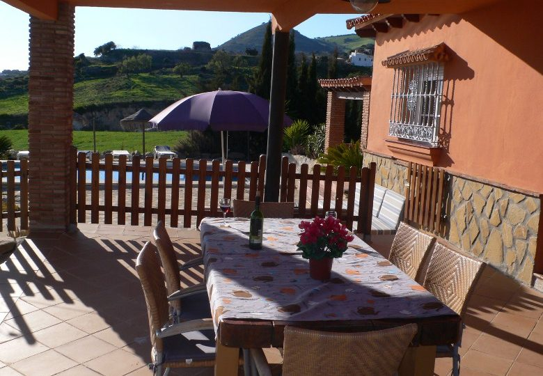 holiday rental bungalow villa naranja malaga antequera terrace with outside furniture