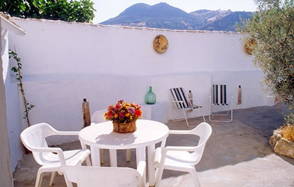 cordoba casa zagrilla holiday rental house terrace and outside furniture