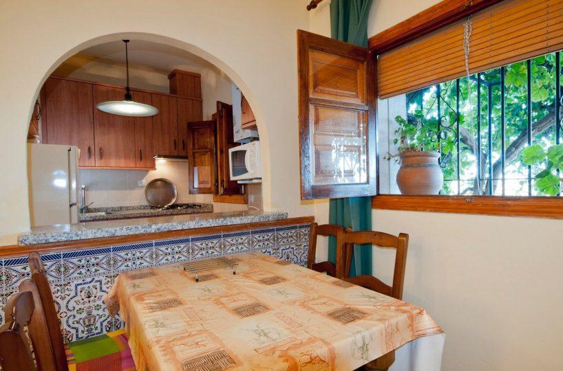 vakantiehuis casa launa keuken en eethoek pitres alpujarras granada
