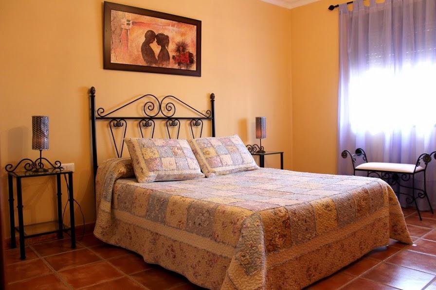 slaapkamer vakantiehuis casa amarilla el torcal de antequera malaga