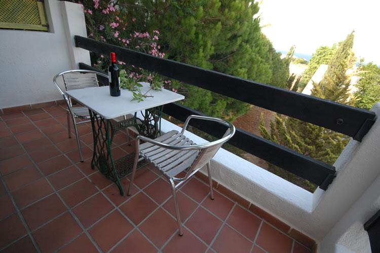 almeria studio ferienappartament las negras garten und terrasse