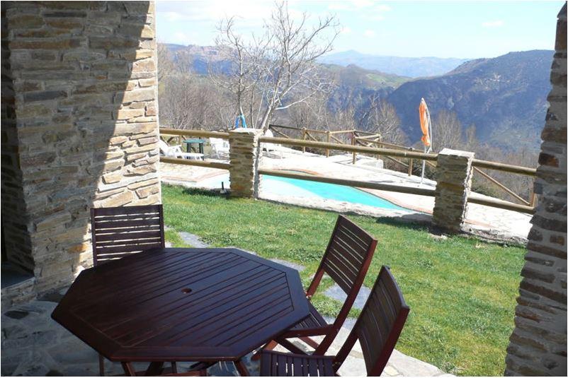 pitres alpujarras villa de vacances cortijo capilerilla terrasse et vue piscine