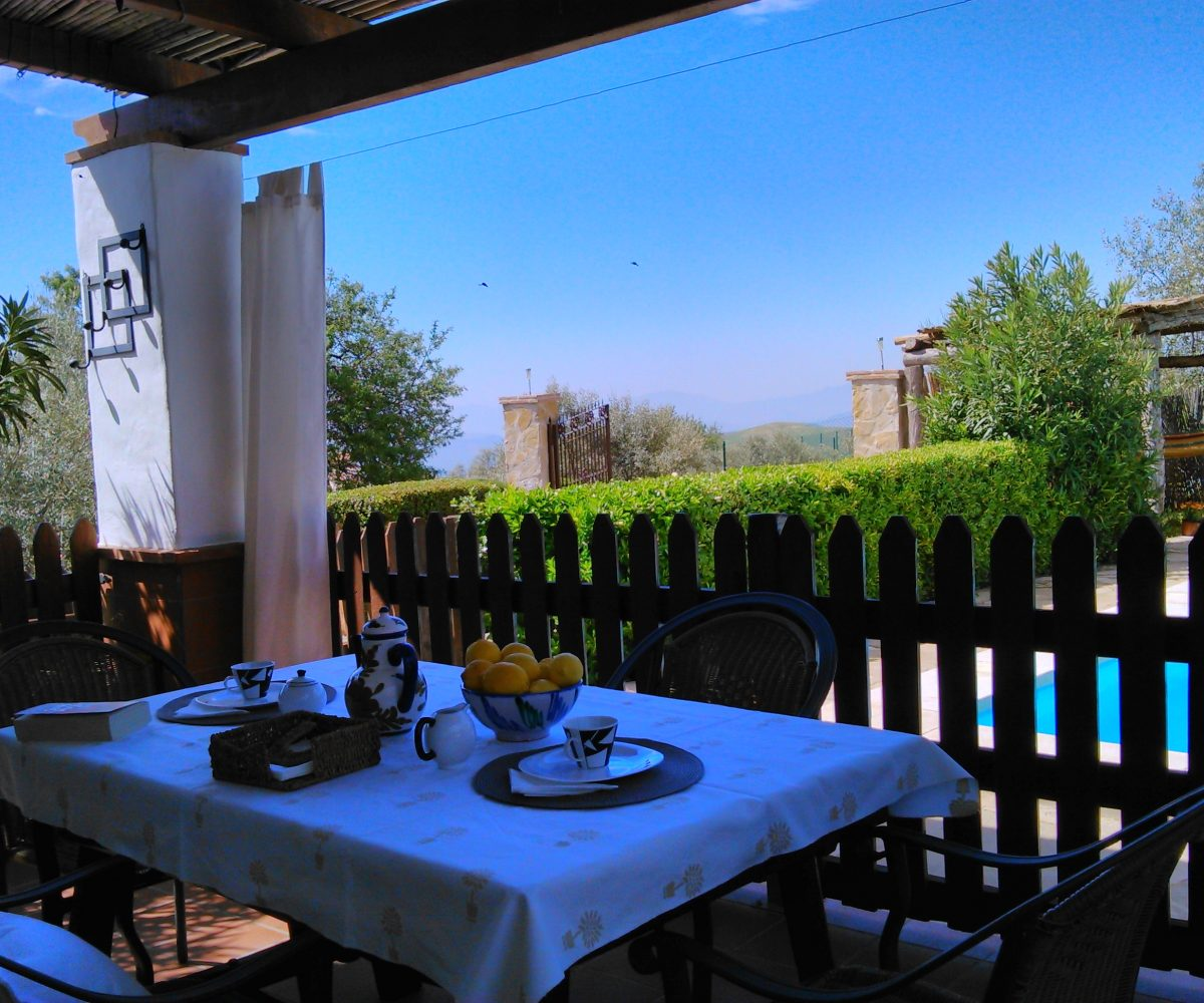 el torcal holiday rental bungalow casa la parada terrace with garden furniture