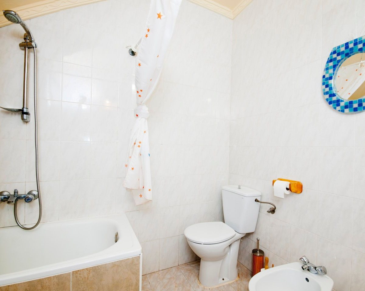 holiday rental casa launa pitres alpujarra bathroom