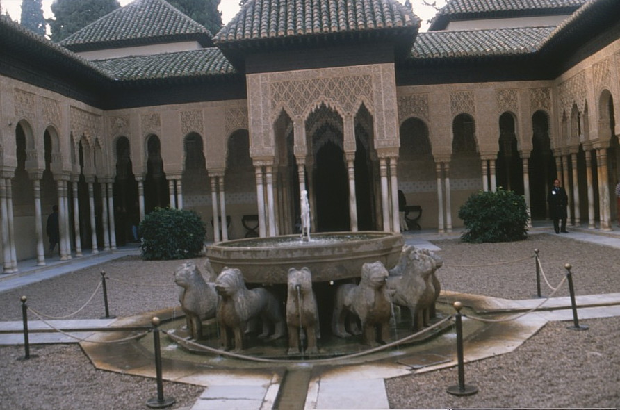 alhambra lions courtyard granada andalusia spain