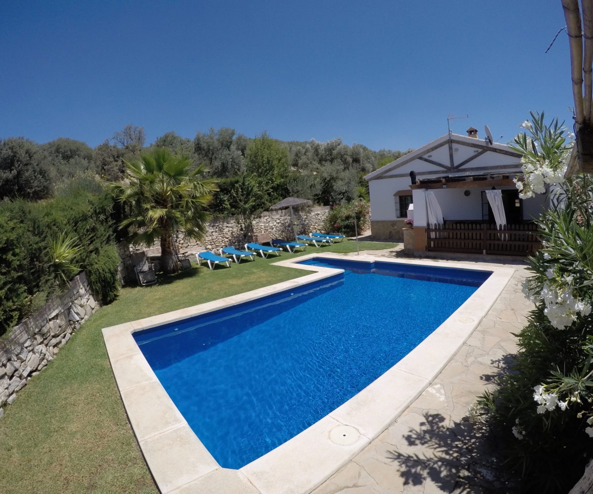 holiday rental pool andalucia