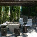 orgiva alpujarras villa de vacances finca rio seco chaises longues et terrasse