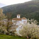 bubion alpujarra primavera e iglesia
